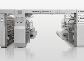 BOBST lanza NOVA SX 550 LAMINATOR, una nueva máquina contraencoladora modular sin disolventes.