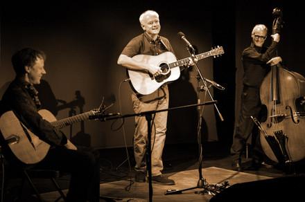 John Mclachlan Trio Live