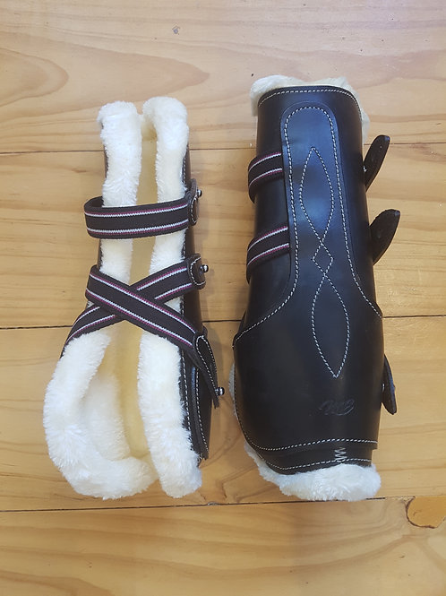 Black Fleece Lined Leather Tendon Boots