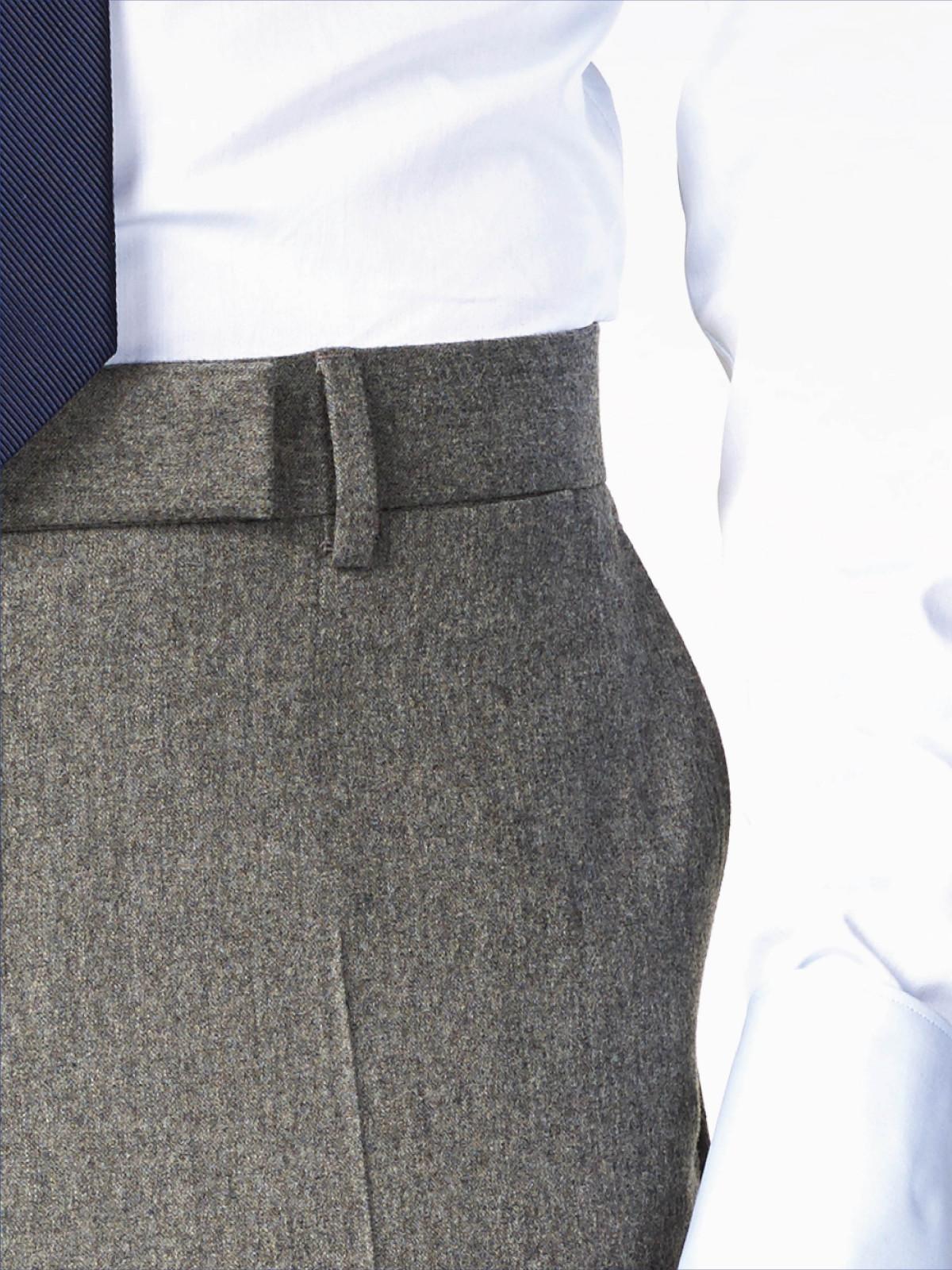 Pantalon franela detalle