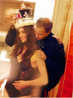 William and Kate Try on the Crown