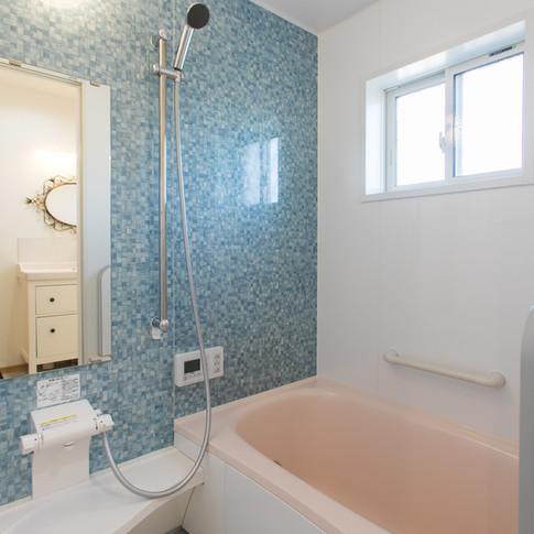 Shower + Tub