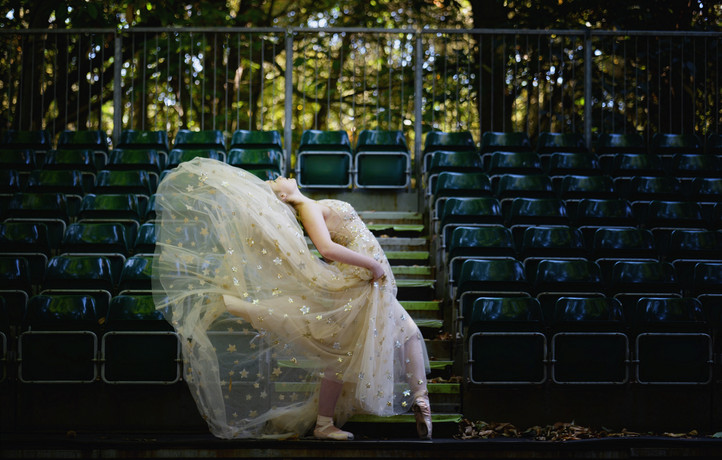 """Sweet Dreams Are Made of This"" Edgy Woodland Wedding Shoot at Jimmy's Farm"