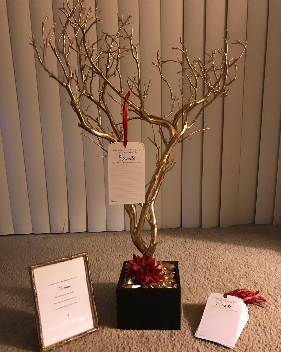 gold and red memory tree