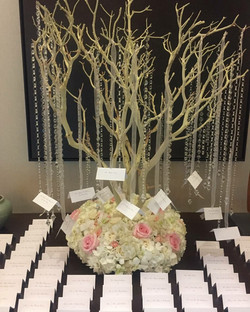 Natural Guest Seating Tree