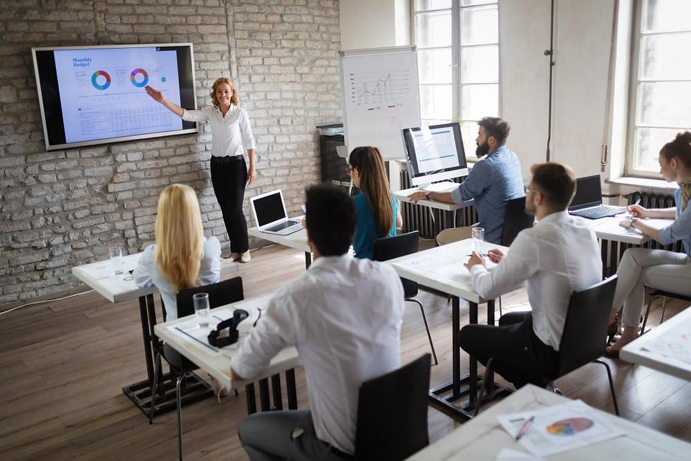 funções administrativas de uma empresa