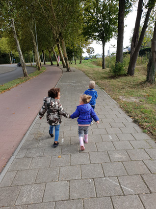 Buiten spelen - wandelen