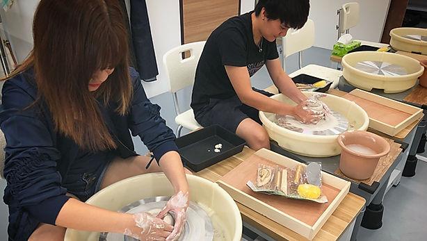 wheel throwing,pottery classess for beginner, basic pottery