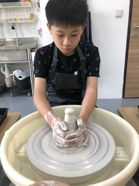 Learning how to center the clay