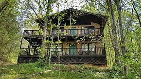 cheap affordable cabin chalet lodging accommodations near Pigeon Forge, Sevierville, Gaitlinburg in Dandridge, TN