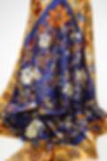 pañuelo-de-seda-con-gatos-y-flores-1.jpg