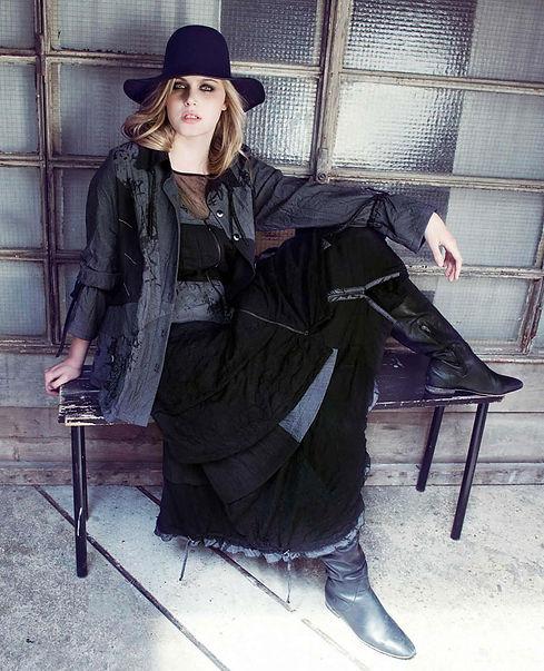 Mujer-con-sombrero.jpg