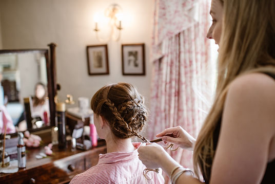 Laura is a mobile hair and beauty stylist operating in East Bergholt and surrounding areas offering salon quality treatments in the comfort of your own home