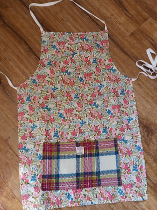 Adults apron with Harris Tweed Pocket