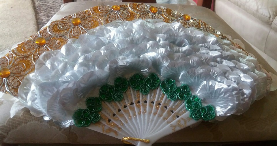 Customised petal handfan