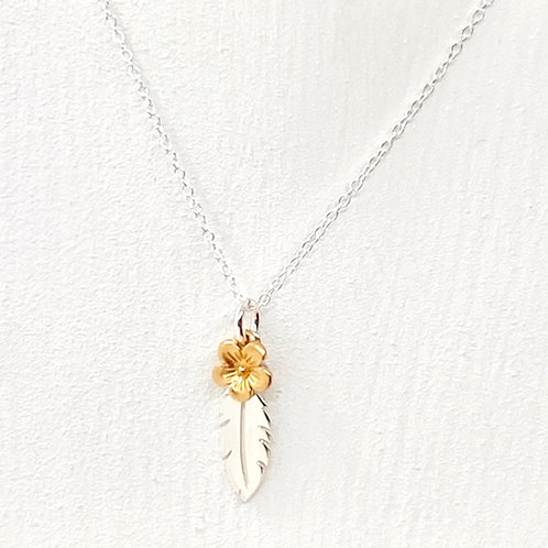 Thalia Gold Blossom Feather Necklace