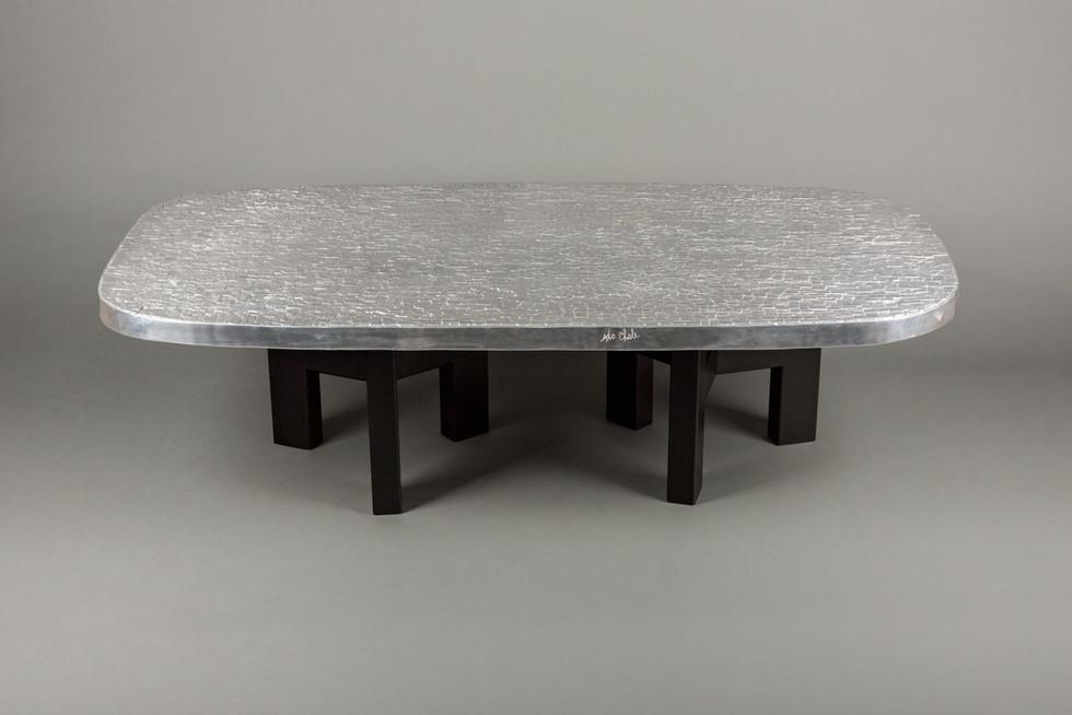 """""""Relief d'agate polie"""" 144cm x 73cm Piétements en acier peint en noir Existe en différents formats"""