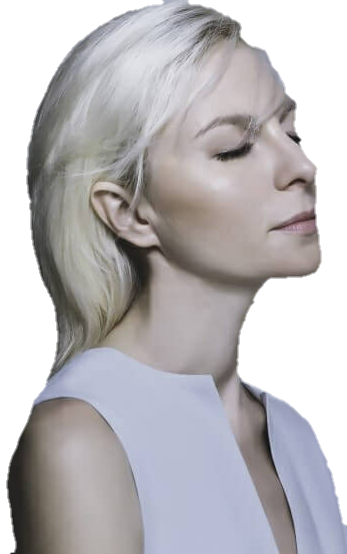 MODEL WTH FRESH CLEAN PLATINUM BLONDE