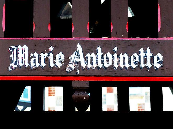 Samuel Arthur, artiste, Mes propriétés, Marie Antoinette