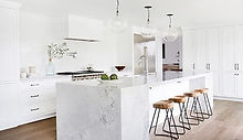 24-19-of-the-Most-Stunning-Modern-Marble-Kitchens-1.jpg
