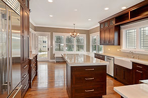 Handmade Amish cabinets in Glen Ellyn custom home