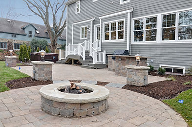 Landscape and hardscape contractor in Glen Ellyn and Wheaton, IL  Outdoor kitchens, grills and fireplaces