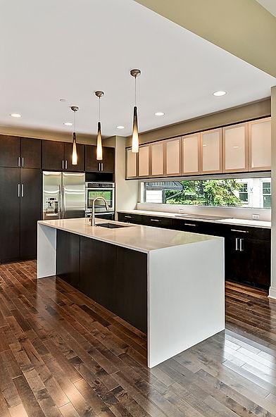 Custom granite, marble and quartz kitchen and bath countertops in Glen Ellyn and Wheaton, IL