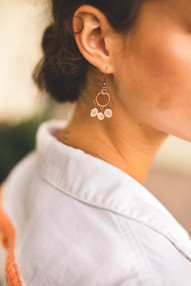 earrings_3stone_white_circle_bronze.jpg