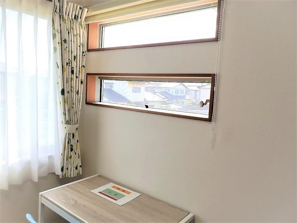 2階 南側 洋室 FIX窓