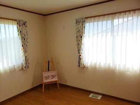 2階 南側 洋室