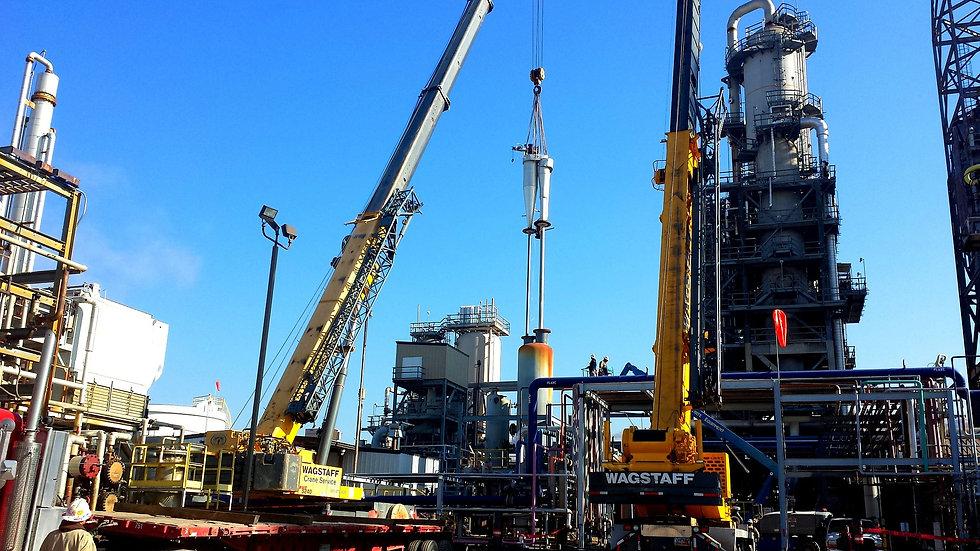 refinery-513863_1920.jpg