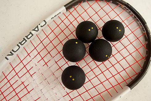 squash-racquet-beginner.jpg