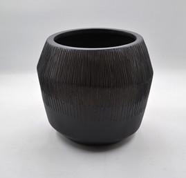 Marmont Textured round planter