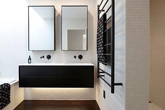 Cinca White 25x25mm tiles