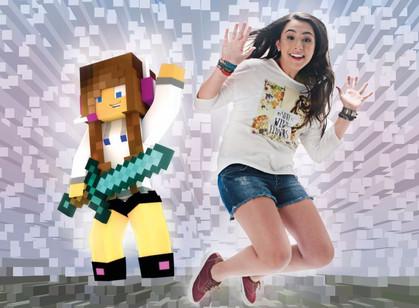 Youtuber Bibi Tatto lança livro com dicas do jogo Minecraft e histórias de sua vida