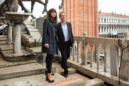 Salvatore Ferragamo veste Tom Hanks e Felicity Jones no filme Inferno