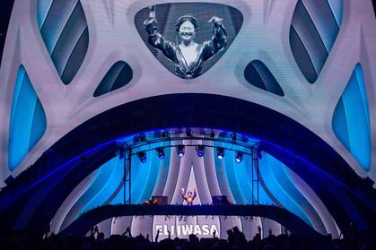 Eli Iwasa celebra 20 anos e sucesso no palco New Dance Order do Rock in Rio