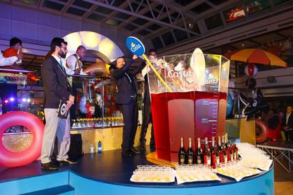 Maior drink Spritz preparado a bordo de um navio tem mil litros e entra para o Guiness