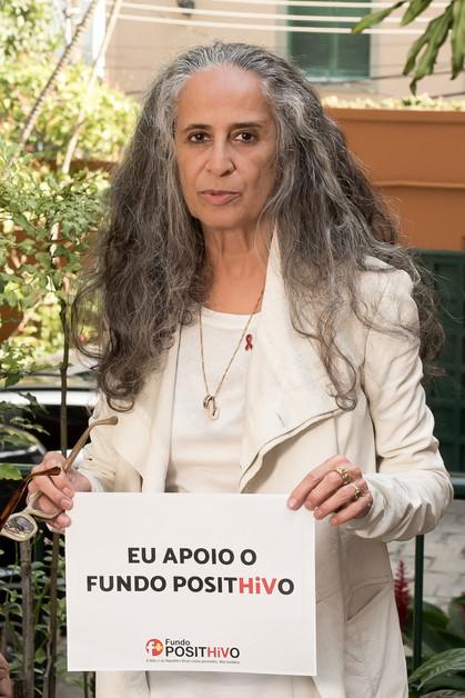 Maria Bethânia é a nova madrinha do Fundo PositHiVo