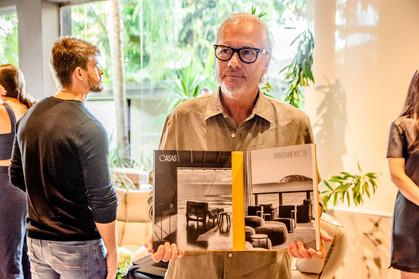 David Bastos recebe convidados em lançamento de seu livro, em Salvador