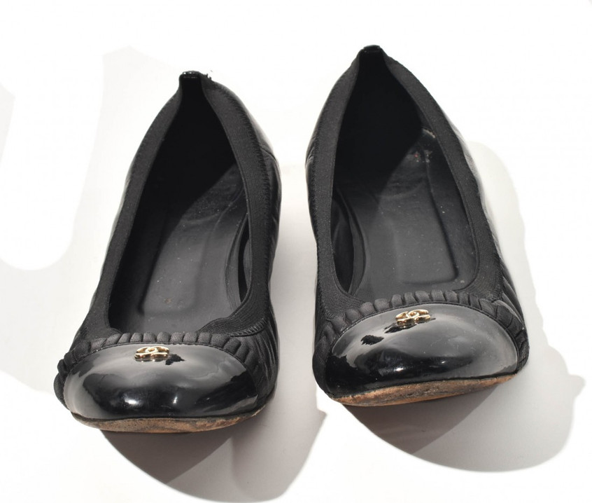 Sapatilha Bico de Verniz - Chanel