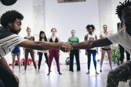 Espetáculo de dança Corpo em Risco faz apresentação no Red Bull Station