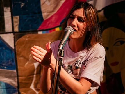 """""""Live #FicaFaroeste"""" acontece neste domingo com música, artes plásticas e gastronomia"""