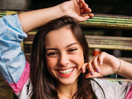 Juju Franco comemora aniversário de 16 anos com fãs em festa virtual