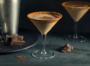 Dia do Chocolate +18: Middas Cachaça ensina a receita 5 drinks