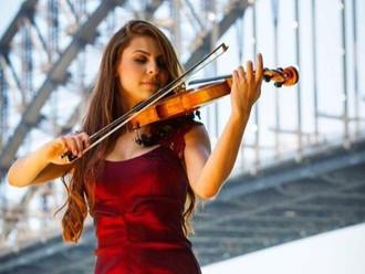 Ex-aluna do Guri passou por EUA, Bulgária e se torna professora de violino na Austrália