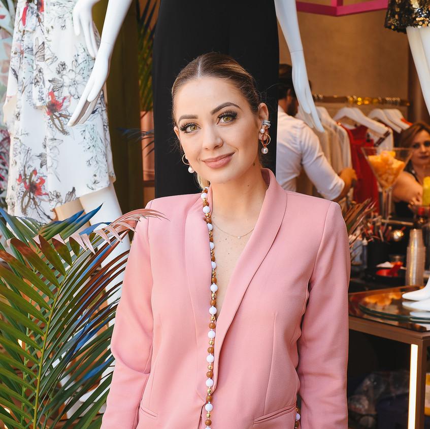 Jana Alvarenga