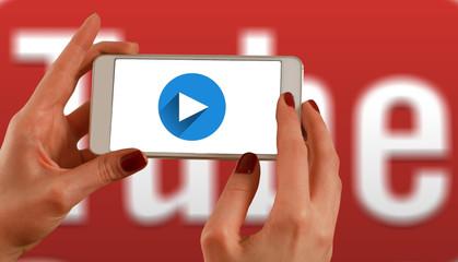 Oficina de vídeos para YouTube e programação para crianças