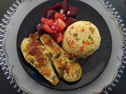 Abobrinha Recheada Vegetariana: Carne moída e bacon deram lugar à escarola