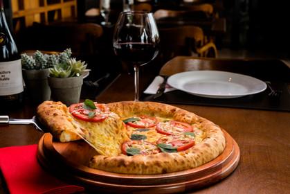 ZZ pediu à Pizza Prime dicas de vinhos para uma harmonização perfeita